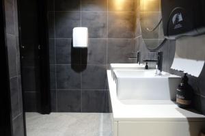 Lindes Lane - Bathroom